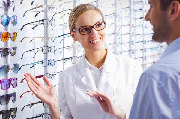 Jak wybrać dobrego optyka?