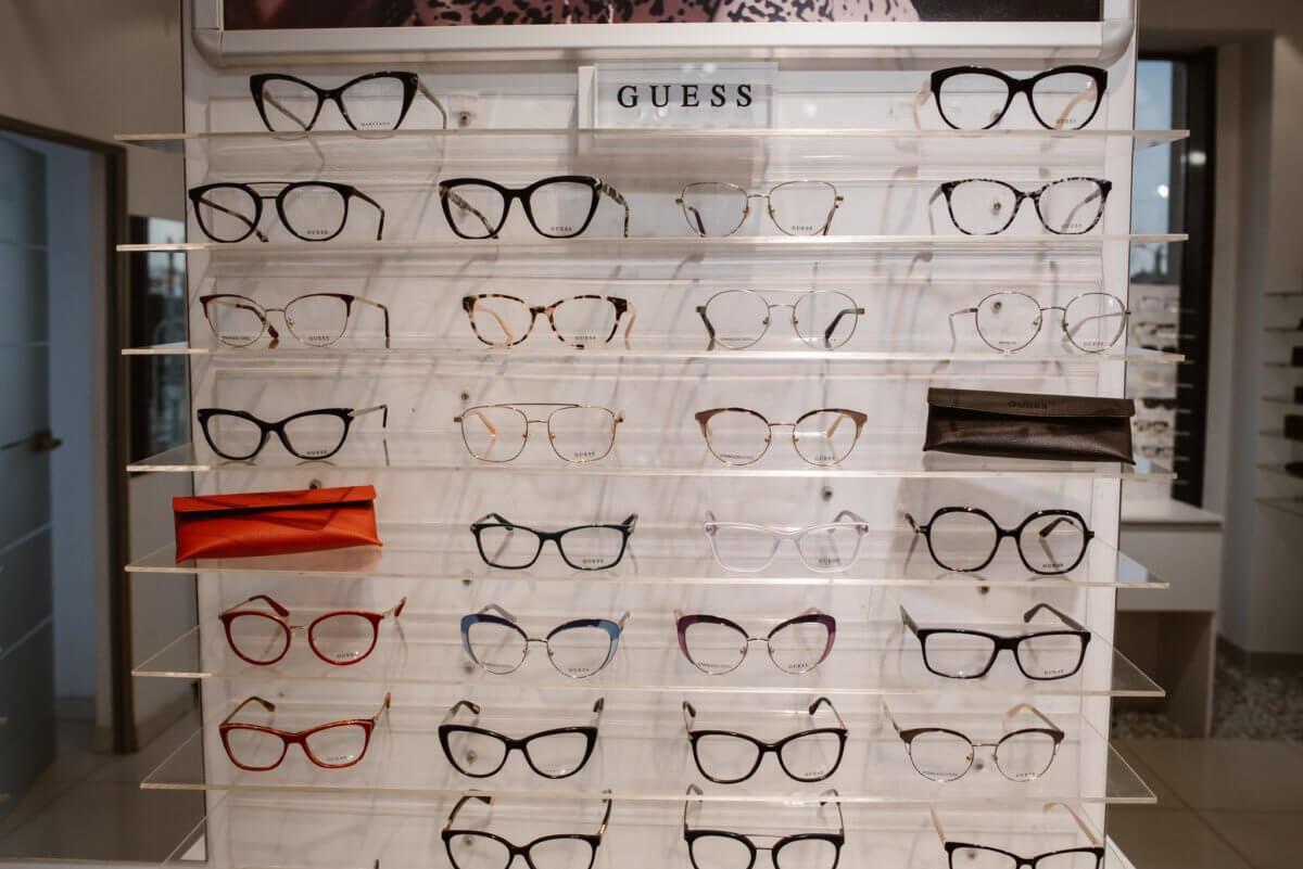 Guess okulary w salonach Italooptica
